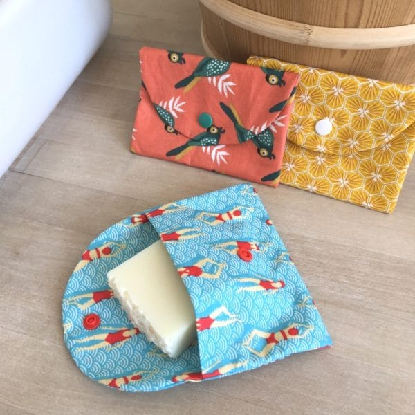 Pochette de transport savon et shampoing solide en coton enduit divers coloris