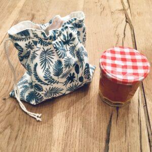 Pochon tissu cadeau d'invités, avec pot de confiture
