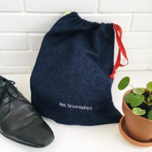 """Sac à chaussures bleu marine cordon rouge message """"mes beaux soulliers"""""""