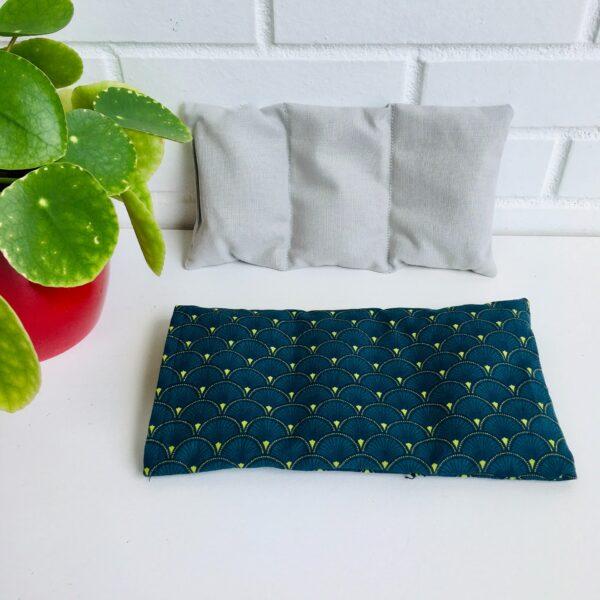 Bouillotte sèche graines de lin, Motifs art déco bleu et vert